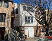 927 E 213 St, Out Of Area Town image