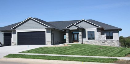 7340 E Twin Pines Ct, Sioux Falls
