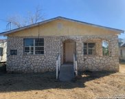 120 N Plum St, Pearsall image