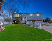 17 Buick Dr, Selden image