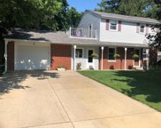 W236N6530 Hillview Dr, Sussex image
