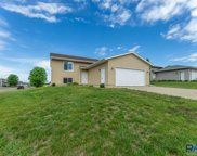 421 N Cockatiel Ave, Sioux Falls image