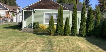 2421 Rainier Avenue, Everett