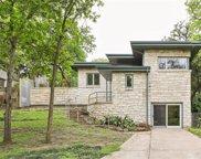 1329 Cedar Hill Avenue, Dallas image