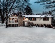 1060 Rolling Green Dr, Brookfield image
