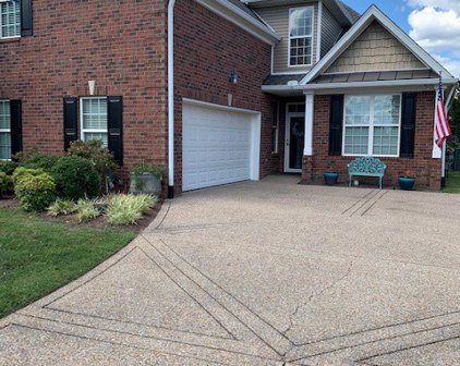 1304 Waxwing Dr, Hermitage
