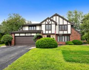 2S725 Ave Chateaux East, Oak Brook image