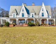 1026 Shore  Road, Mill Neck image