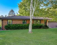 2705 Flagstone Dr, Brookfield image
