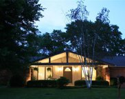 482 Meadow Green  Place, Creve Coeur image