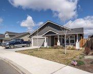 453 Ne Oak  Place, Redmond image