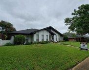 9515 Viewside Drive, Dallas image