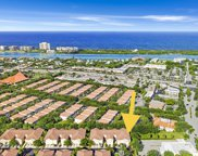 108 Lighthouse Circle Unit #H, Tequesta image