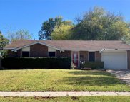 125 Pinewood Place, Lewisville image