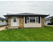 4263 S 91st Pl, Greenfield image