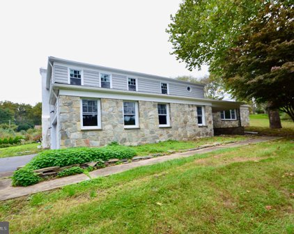 556 Grubbs Mill Rd, West Chester