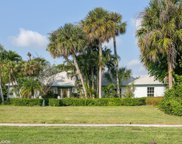 11951 Lake Shore Place, North Palm Beach image