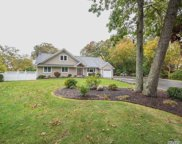 90 Sunrise  Lane, Smithtown image