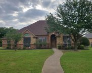 820 Shady Bend Drive, Kennedale image