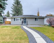 24 Hoover Place Sw, Calgary image