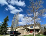 319 Woodhaven Place Sw, Calgary image