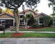 940 Lakewood Ct, Weston image