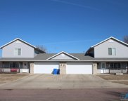 7108 W Selkirk Trl, Sioux Falls image