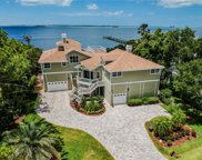 978 Point Seaside Drive, Crystal Beach image