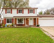 33121 CRESTWELL, Sterling Heights image