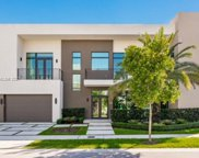 10530 Nw 68th Ter, Doral image