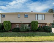 69 Wentworth Rd, Revere image