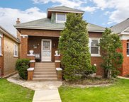 3639 North Luna Avenue, Chicago image