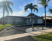 800 Nw 96th Ter, Pembroke Pines image