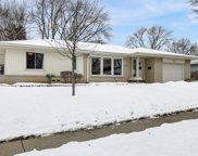 5402 Lakeview Dr, Greendale image
