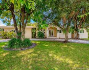 10851 Sw 61st Ave, Pinecrest image