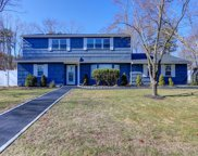24 Henearly Dr, Miller Place image