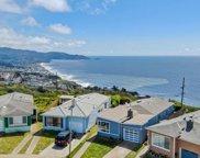 82 Oceanside Dr, Daly City image