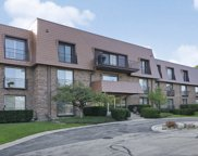 4050 Dundee Road Unit 301, Northbrook image