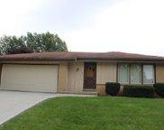 7710 S Lenox Ave, Oak Creek image