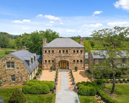 33846 Foxlease Ln, Upperville