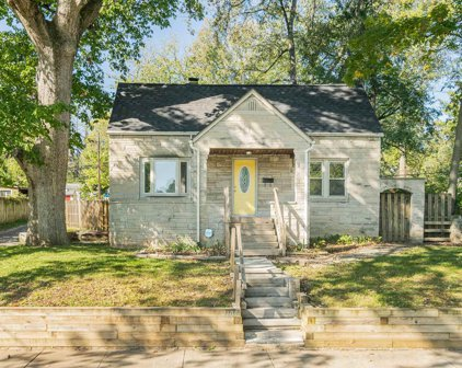 1105 N Woodburn Avenue, Bloomington