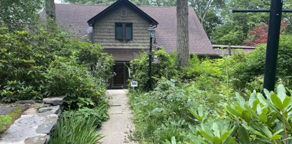 82 Paupack Point Rd, Hawley