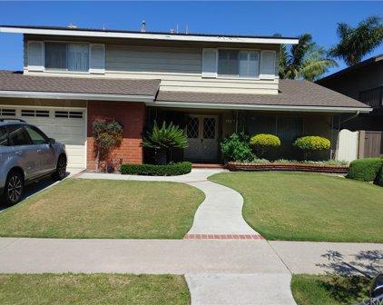6431     Reubens Drive, Huntington Beach