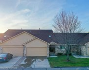 2316 HERITAGE POINTE, Sterling Heights image