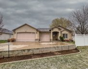 562 Chateau Way, Smithfield image