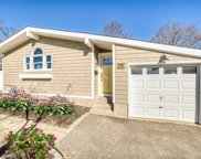 25 Havemeyer Ln, Commack image