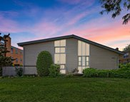 6880 N Lincoln Avenue, Lincolnwood image