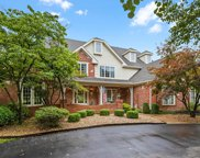 2052 Kingspointe  Drive, Chesterfield image