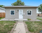 2126 S Duluth Ave, Sioux Falls image