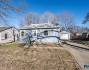 2912 E 19th St, Sioux Falls image